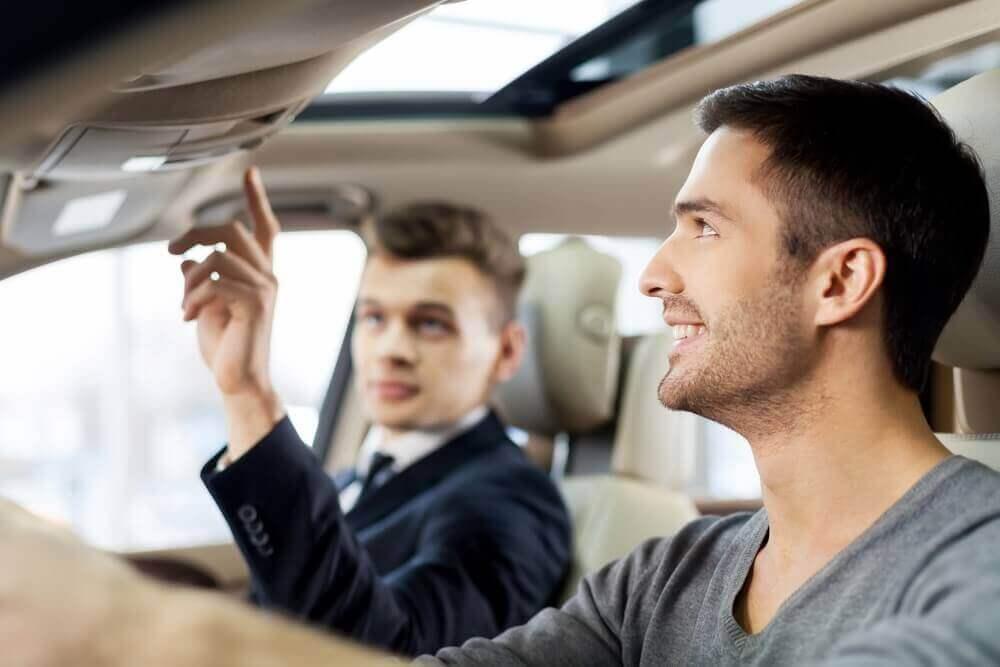 tips membeli mobil bekas avanza